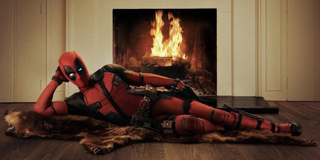 Ryan Reynolds Reveals Deadpool Costume