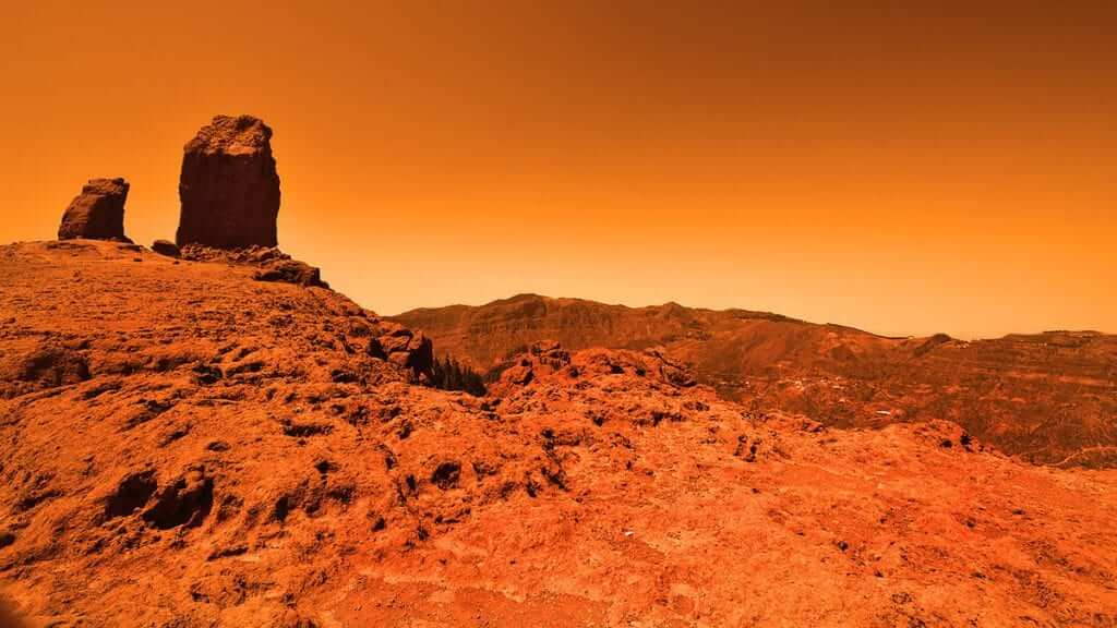NASA Reports Liquid Water Exists on Mars