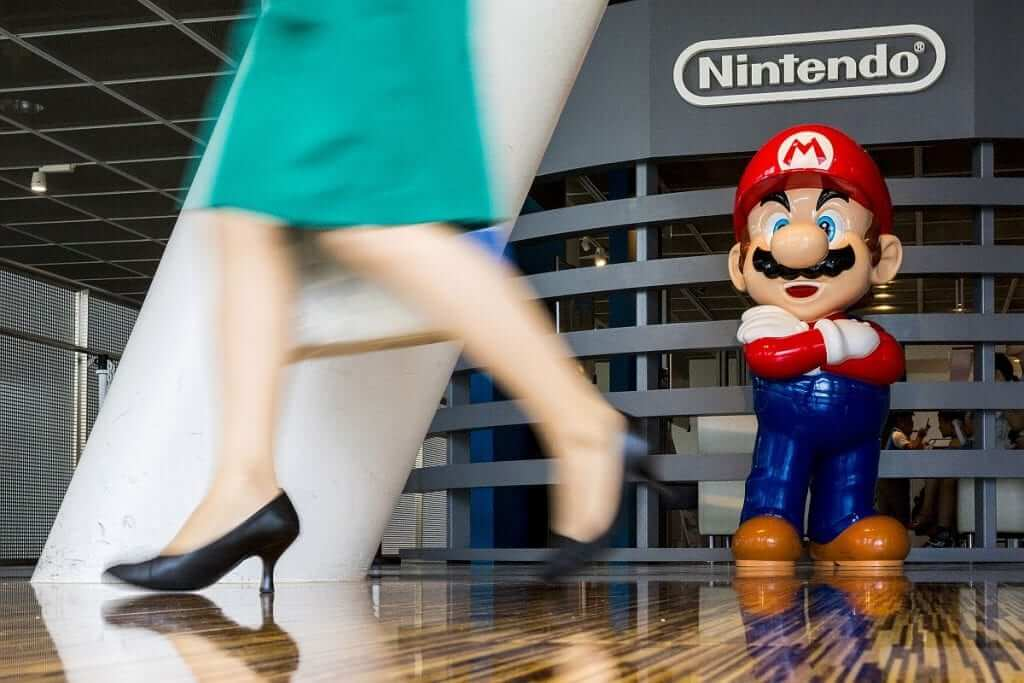 Nintendo Delays Smartphone Game
