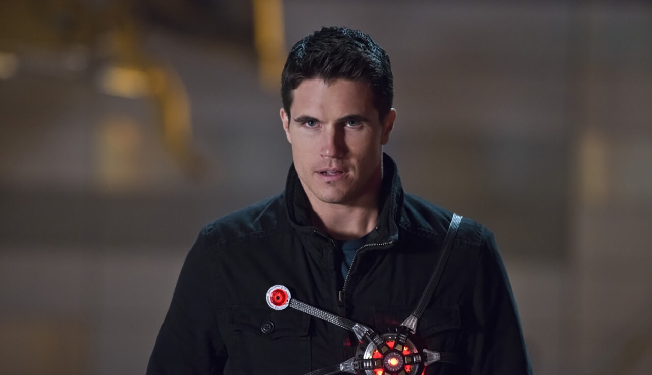 Robbie Amell Will Return to The Flash as Deathstorm
