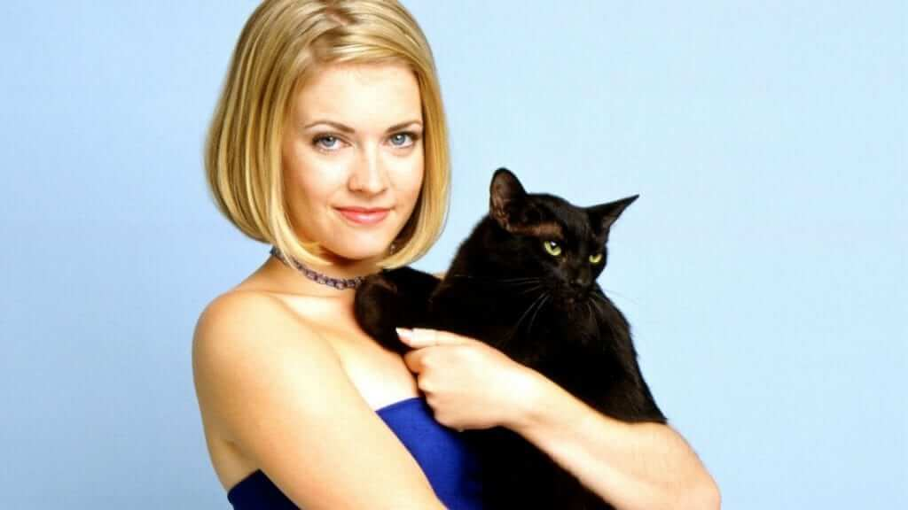 Melissa Joan Hart Hints at Clarissa and Sabrina Reboots
