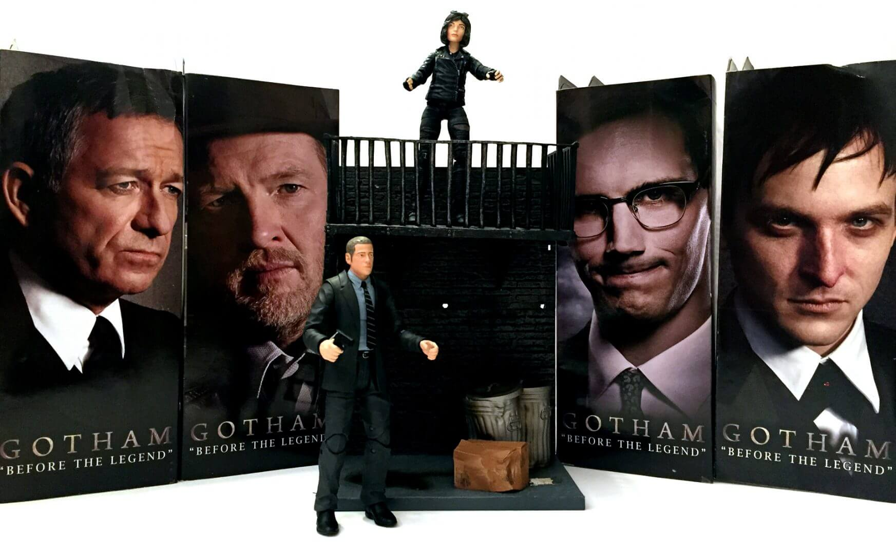 Diamond Select Toys: Gotham Select Figures Review