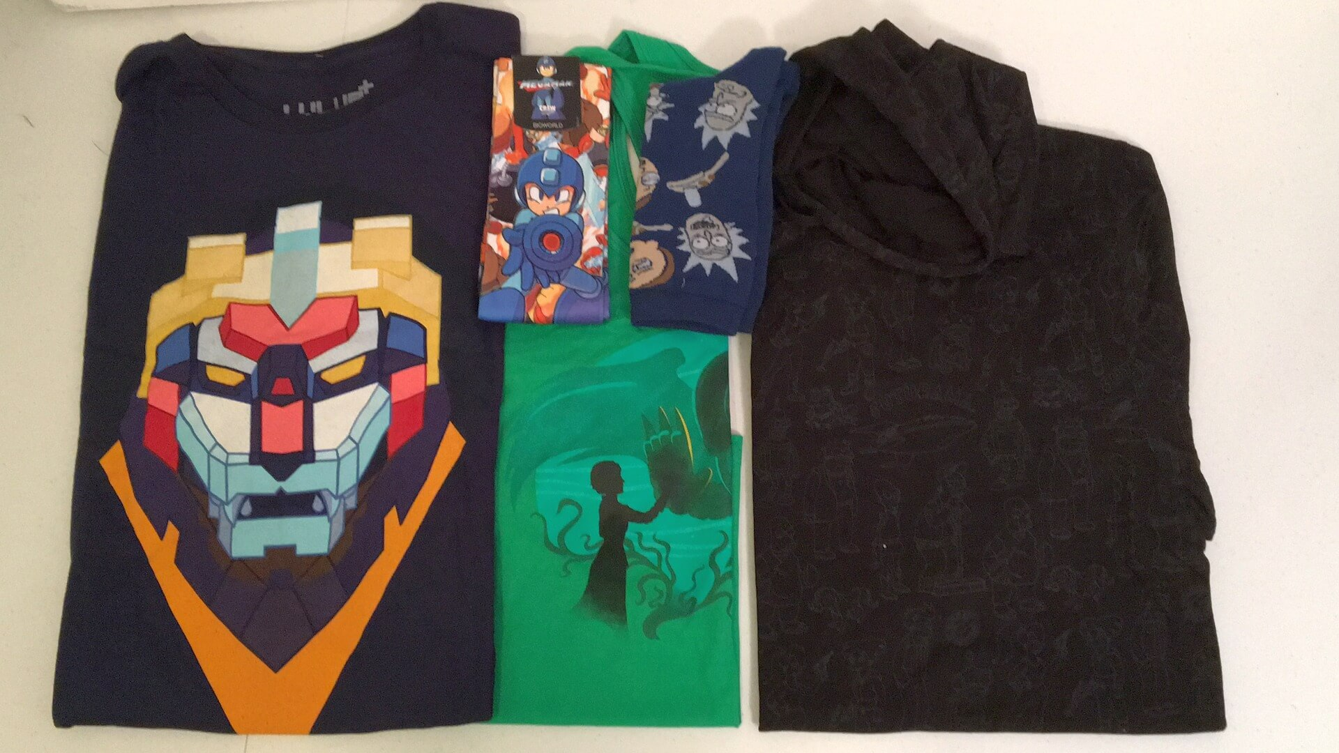 Loot Crate Level Up:  July 2016 Review - Futuristic