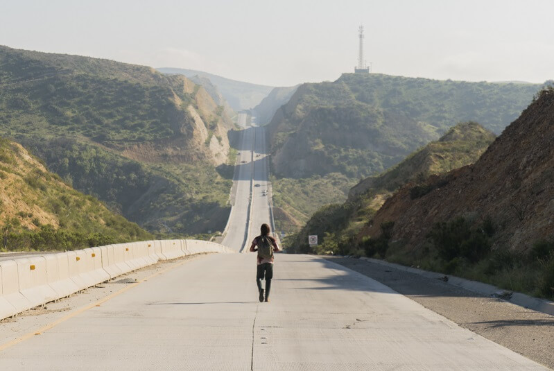 Fear the Walking Dead Nick walking long road