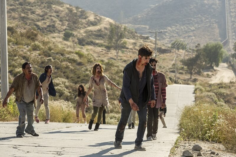 Infected from Fear the Walking Dead in a group