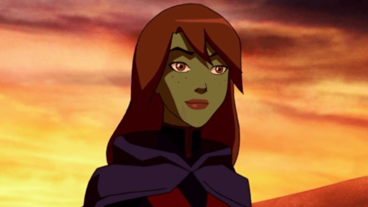 First Glimpse at Miss Martian in Supergirl