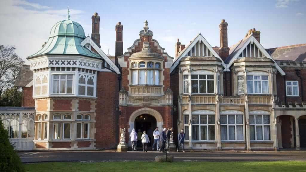 Bletchley Park to Become Codebreaker School