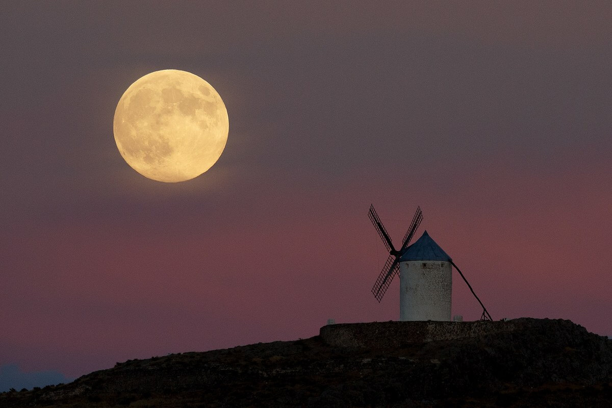 November's Supermoon Is Closest Since 1948