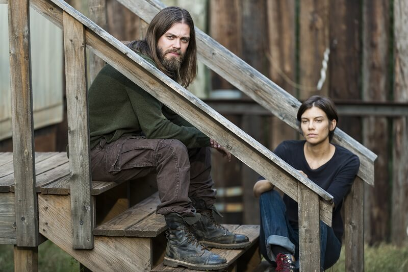 Jesus and Maggie sitting on stairs at the Hilltop