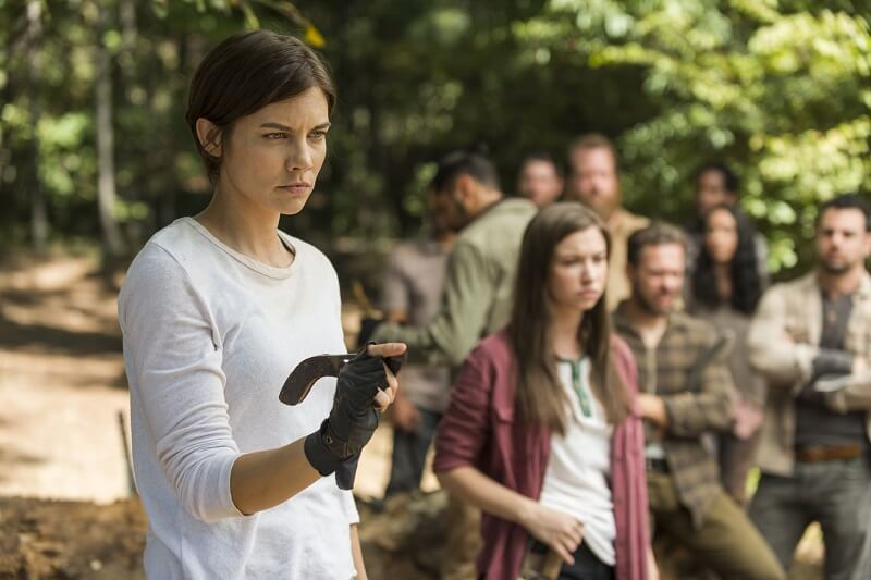 Maggie and Enid training the Hilltop for war