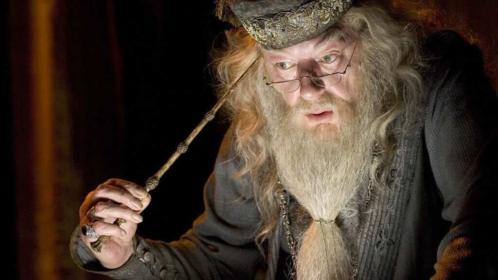 Jude Law Cast As Dumbledore In The Next Fantastic Beasts Film