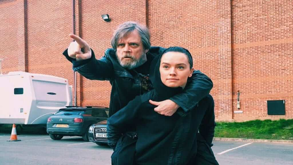 Mark Hamill And Daisy Ridley Make Huge Star Wars 40th Anniversary Announcement