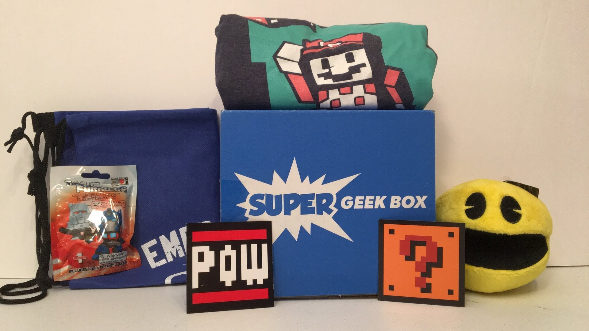 Super Geek Box:  Celebrating the Classics - Review