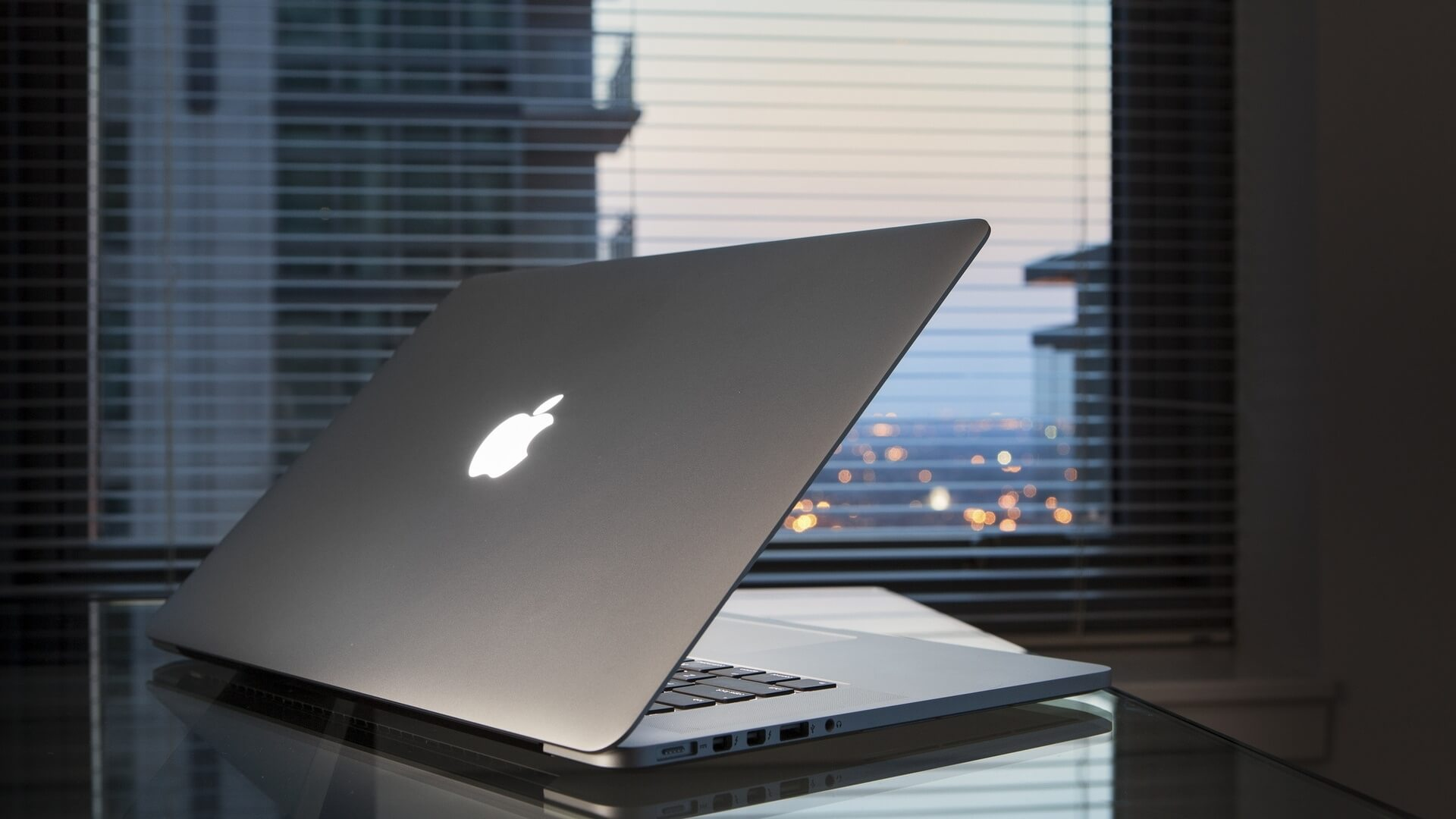 Apple Releasing Three New Laptops By End Of Summer