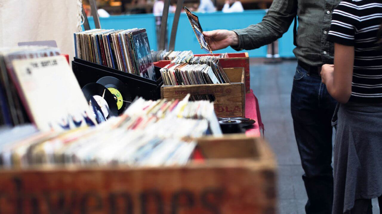 Sony is Bringing Back Vinyl Records After 28 Years
