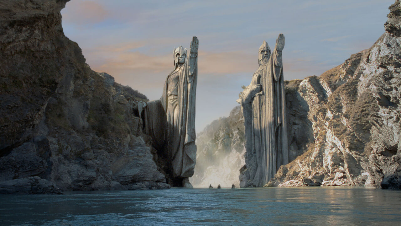 Amazon Is Confirmed to Be Making a Lord of the Rings TV Prequel Series
