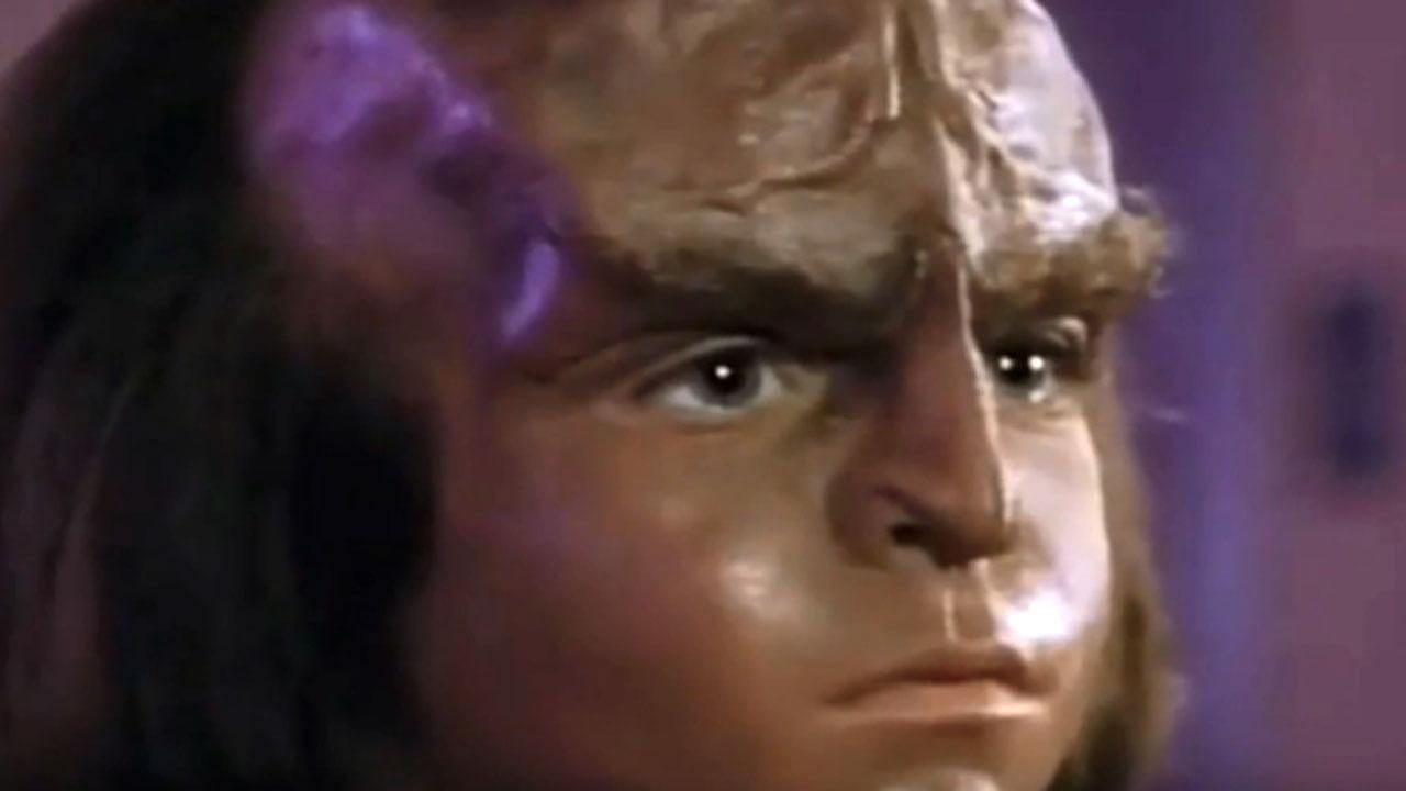 Star Trek's Jon Paul Steuer Dies at 33