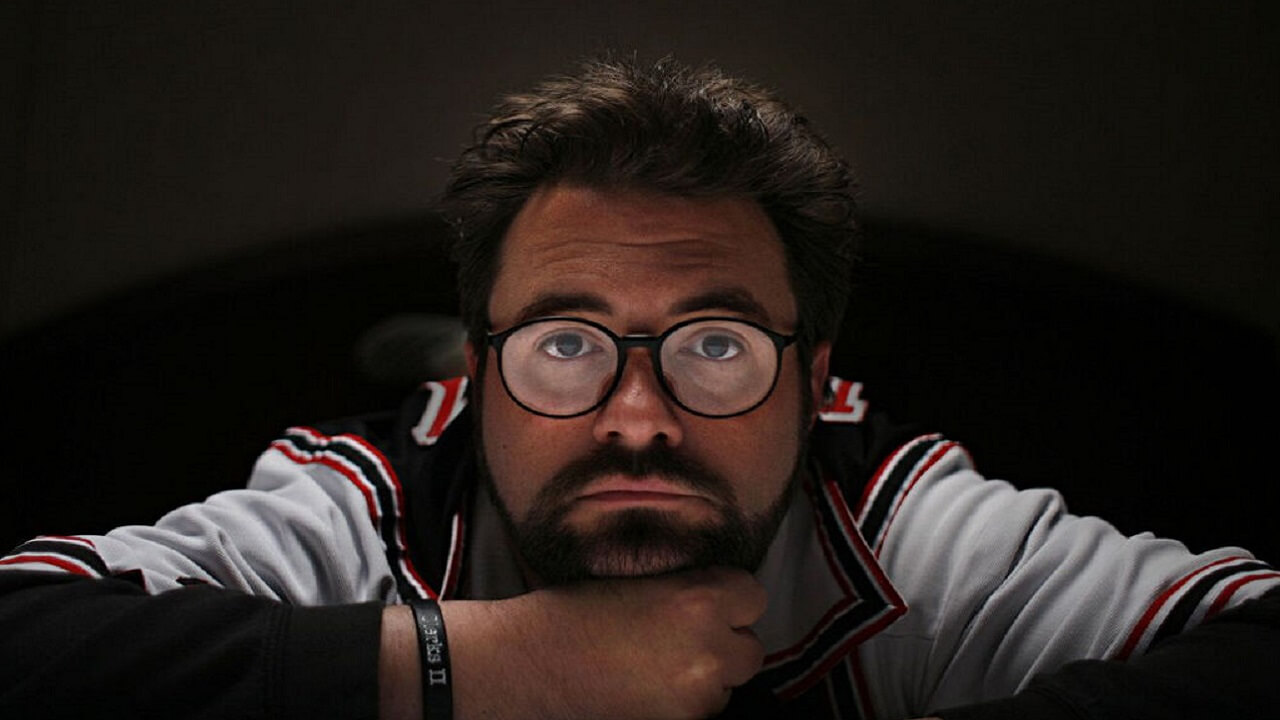 Director Kevin Smith Suffers Near Fatal Heart Attack
