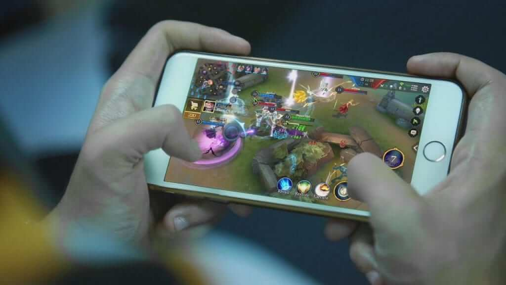 What Happens When Mobile Gaming and eSports Collide?