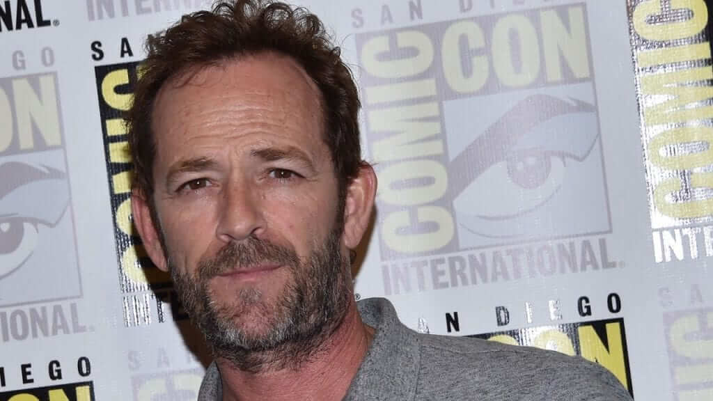 Saturday Night Live to Air Luke Perry-Hosted 1993 Episode Tonight