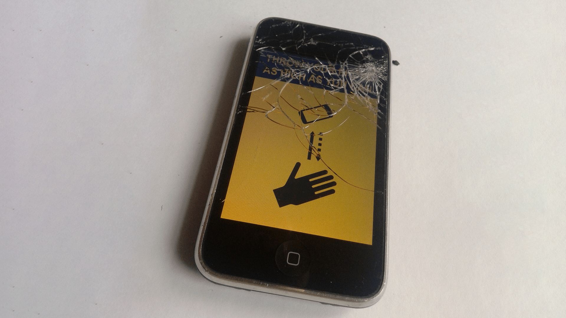 An Old iPhone With 'Send Me To Heaven' Game Going for $30,000